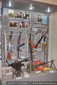 Образцы послевоенного стрелкового оружия в Центральном музее Вооруженных Сил