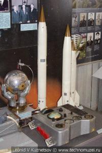 Макеты баллистических ракет Р-1, Р-2 и Р-5М в Центральном музее Вооруженных Сил