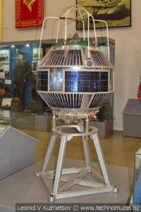 Космический аппарат радиоразведки Светоч в Центральном музее Вооруженных Сил