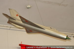 Модель МиГ-21 в Центральном музее Вооруженных Сил