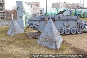 Бетонные тетраэдры в Музее на Поклонной горе