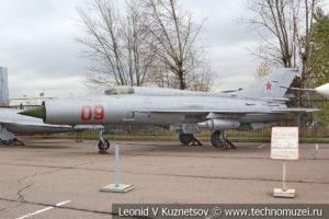 Истребитель МиГ-21ПФ в Музее на Поклонной горе