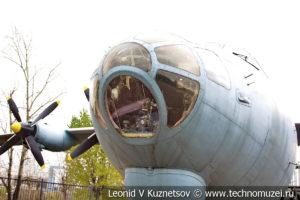 Военно-транспортный самолёт Ан-12 в Музее на Поклонной горе
