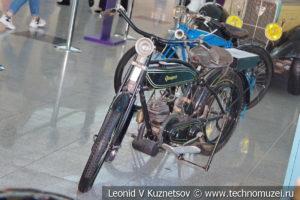 Peugeot AP на выставке ретро автомобилей в аэропорту Домодедово
