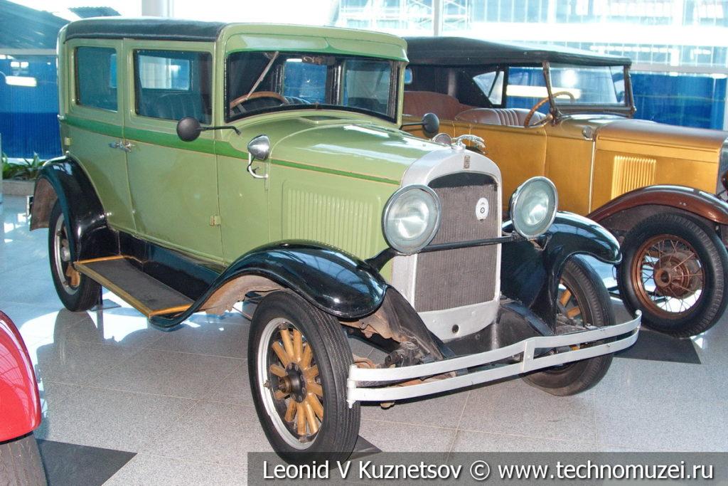 Willys Overland 96A на выставке ретро автомобилей в аэропорту Домодедово