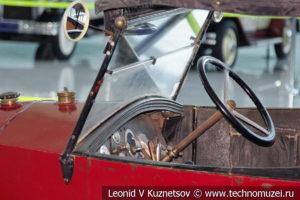 Renault NN на выставке ретро автомобилей в аэропорту Домодедово