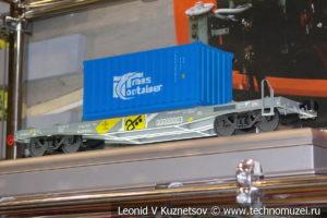 Скоростной контейнеровоз 13-2114-11 модель
