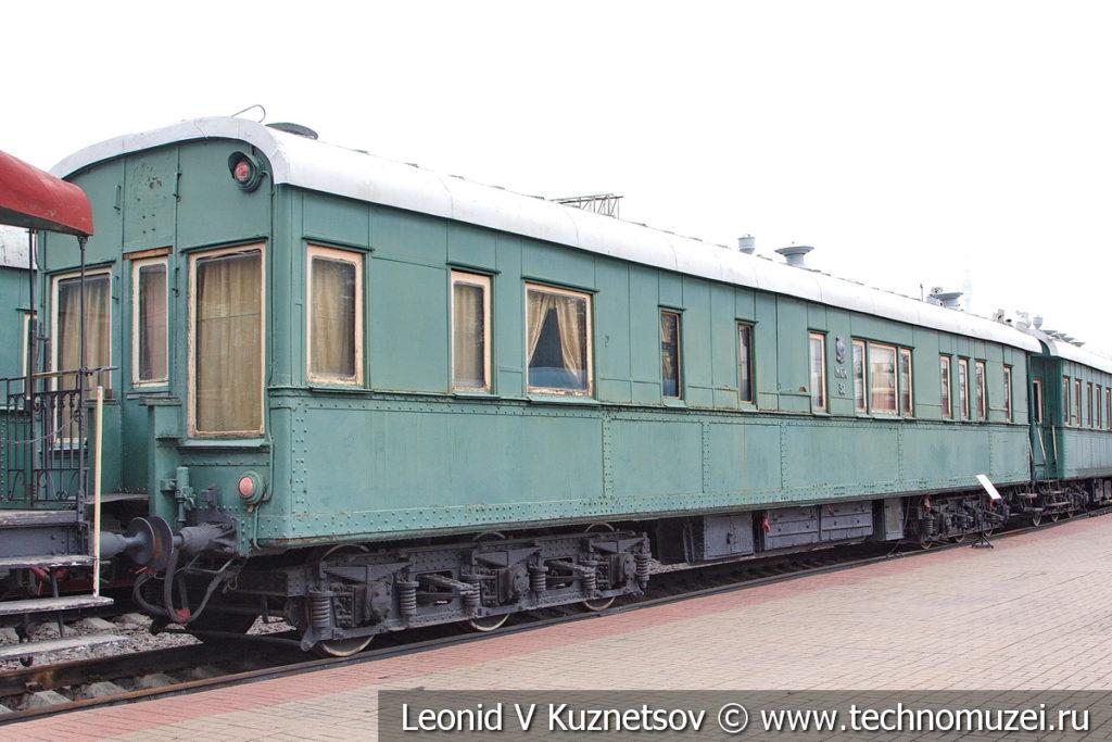 Шестиосный пассажирский вагон-салон Владикавказского типа №70015 в Железнодорожном музее на Рижском вокзале