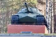 Памятник танк Т-10М в Песочном