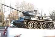 Памятник танк Т-34-85 в Нолвопетровском