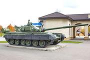 Памятник танк Т-80 в Шаховской