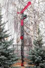 Памятник однокрылый семафор во Владимире