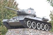 Памятник танк Т-34-85 в Волоколамске