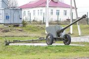 Памятник пушка Д-44 в Колюбакино