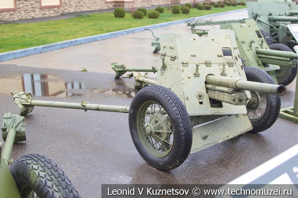 45-мм противотанковая пушка образца 1937 года 53-К в музее отечественной военной истории в Падиково