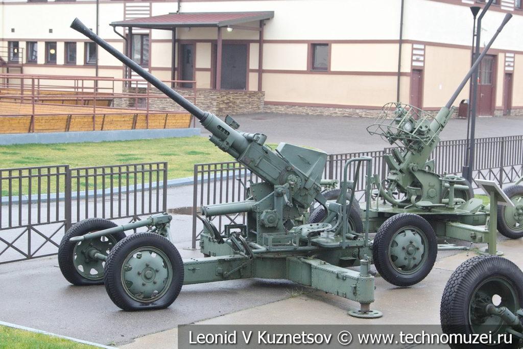 40-мм автоматическая зенитная пушка Bofors L-60 1933 года в музее отечественной военной истории в Падиково