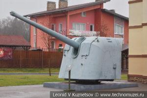 130-мм корабельная пушка Б-13 образца 1935 года в музее отечественной военной истории в Падиково