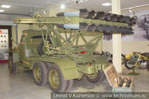 132-мм реактивная система залпового огня БМ-13Н 1943 года на Studebaker US6 в музее отечественной военной истории в Падиково