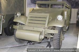 Полугусеничный бронетранспортёр Scout Car M3A1 (США) 1941 года в музее отечественной военной истории в Падиково