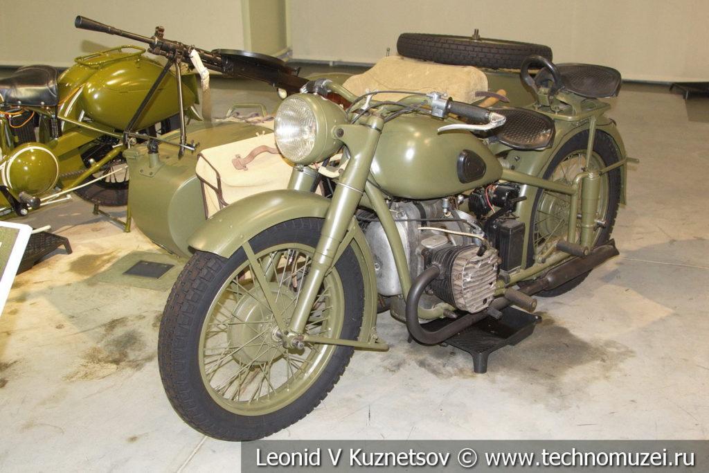 Мотоцикл М-72 1941 года в музее отечественной военной истории в Падиково