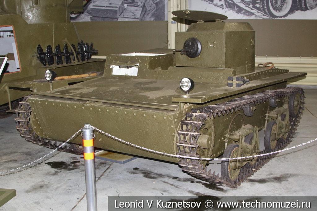 Т-38 лёгкий плавающий танк 1936 года в музее отечественной военной истории в Падиково