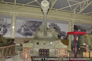ИС-2 Объект 240 тяжелый танк 1943 года в музее отечественной военной истории в Падиково