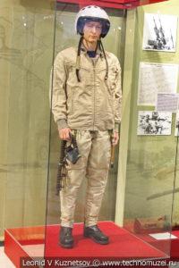 Форма лётчика в высотно-компенсирующем костюме ВКК-15 в музее отечественной военной истории в Падиково