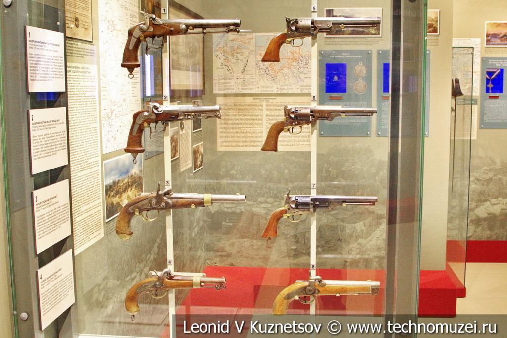 Пистолеты и револьверы середины XIX века в музее отечественной военной истории в Падиково