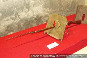 Переносной стрелковый щит образца 1916 года в музее отечественной военной истории в Падиково