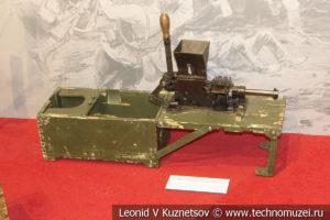 Машинка для снаряжения пулемётных лент в музее отечественной военной истории в Падиково