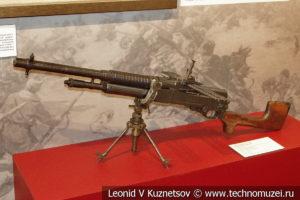 Английский 8-мм ручной пулемёт Hotchkiss Portable Mk I в музее отечественной военной истории в Падиково