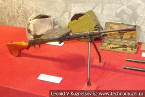 7,62-мм ручной пулемёт Дегтярёва ДП-27 образца 1927 года в музее отечественной военной истории в Падиково