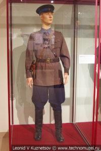 Повседневная форма младшего воентехника ВВС в музее отечественной военной истории в Падиково