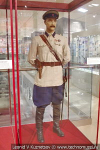 Повседневная форма комбрига кавалерии в музее отечественной военной истории в Падиково