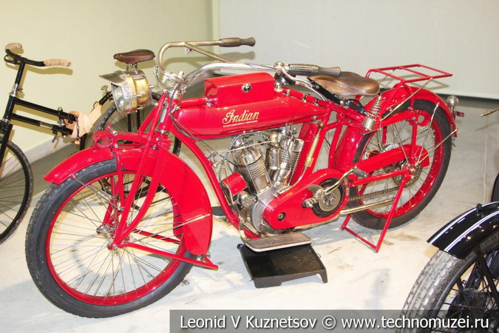 Мотоцикл Indian Big Twin (США) 1915 года в музее отечественной военной истории в Падиково