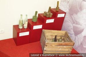 Бутылки с зажигательной смесью и гранаты РПГ-4 и РГД-33 в музее отечественной военной истории в Падиково