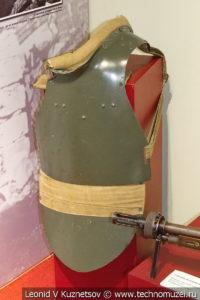Стальной нагрудник СН-42 образца 1942 года в музее отечественной военной истории в Падиково